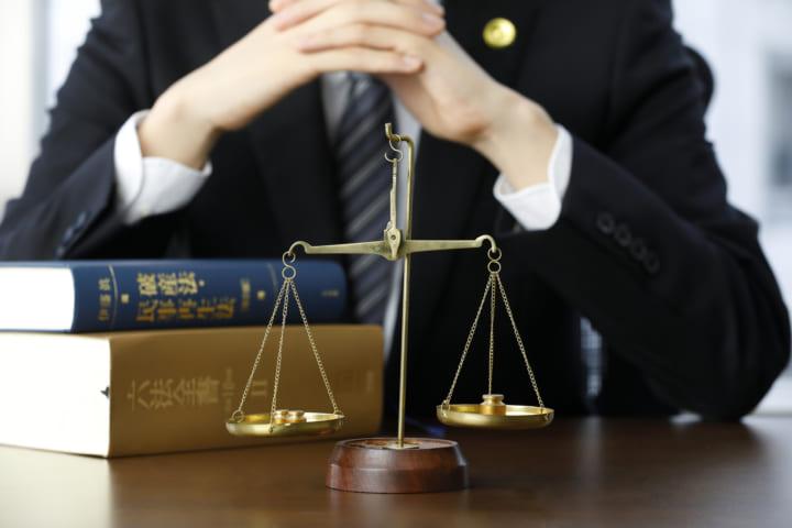 任意整理の弁護士選び